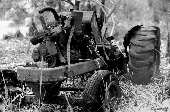 Tractor, rust, analog
