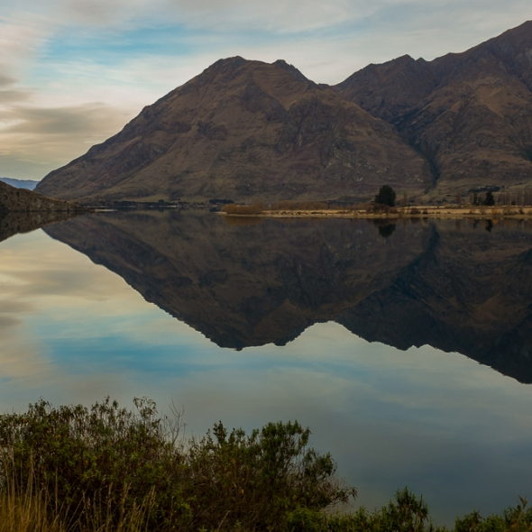 Lake Wanaka reflection